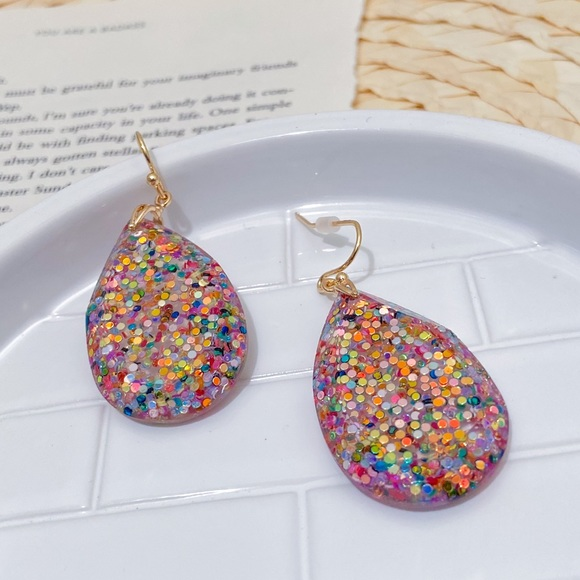 rosie and peaches Jewelry - Confetti earrings